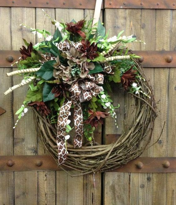 Giraffe print grapevine wreath by WilliamsFloral on Etsy, $55.00