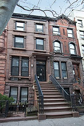 New york brownstone new york townhouse and townhouse on for Nyc townhouse with garage