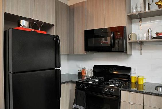 Modern Kitchen w/granite counter tops, custom cabinetry, subway tile backsplash Updated Bathroom w/glass enclosed rain shower Free wifi, and 24/7 fitness center included in the rent SMART SPACES FOR...