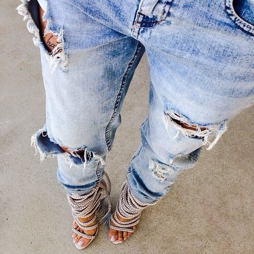 LOVES A BLUE JEAN | TheyAllHateUs