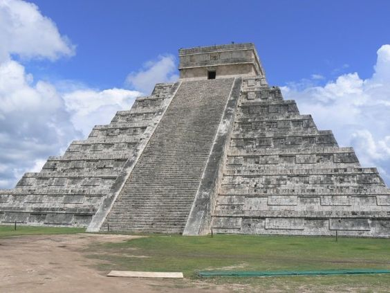 Chitzen Itza - Mexico