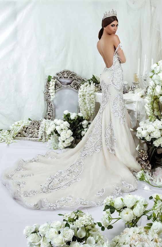 Dar sara wedding dresses 2014 collection dubai wedding for Wedding dress in dubai