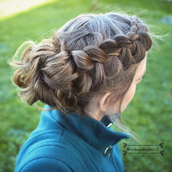 DutchBraid into a messy bun By Braidsandstyles12 Youtube: https://www.youtube.com/user/Dmmr1000/featured