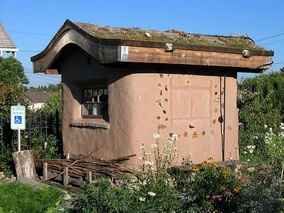 Cob Garden Shed w/ Green Roof by lifebegreen, via Flickr