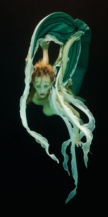 women underwater photography - Google Search