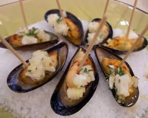 Mussels with apple and feta  http://uktv.co.uk/food/recipe/aid/631220