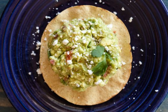 Chunky guacaomle. Recipe and food photography by Jackie Alpers. Sonoran 101 Summer Session — Edible Baja Arizona Magazine