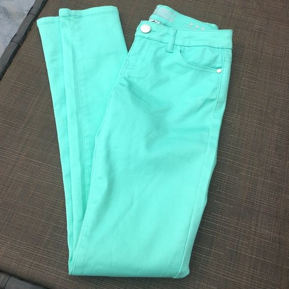 Mint colored Juniors skinny jeans Celebrity Pink Brand mint colored juniors skinny jeans. NWOT. These are slightly stretchy and super cute. The color is truest in the 3rd photo. Smoke Free Home No trades please.  Like to make an offer?.. Use the offer button!   Celebrity Pink Jeans Skinny