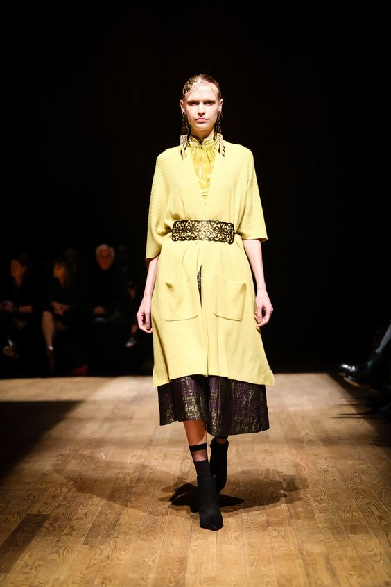 Josie Natori Fall 2015 Ready-to-Wear - Collection - Gallery - Style.com http://www.style.com/slideshows/fashion-shows/fall-2015-ready-to-wear/josie-natori/collection/18