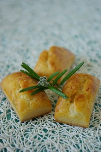 Mini cakes chèvre / romarin et miel