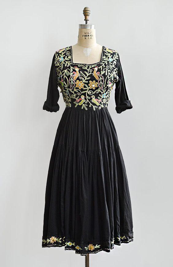 Vintage 1970s black crewel embroidered boho dress #bytimo #bytimovintage