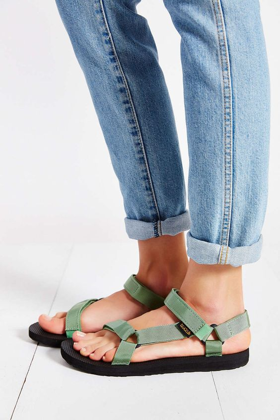 I love the authentic 90s colors of this vegan teva sandals.: