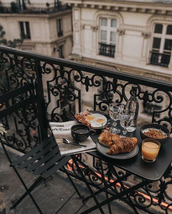 『pιn : ѕoyvιrgo』 ♡soyvirgo.com♡ alexmichaud on Instagram - food on balcony city photo - ways to be happy during quarantine | soyvirgo.com