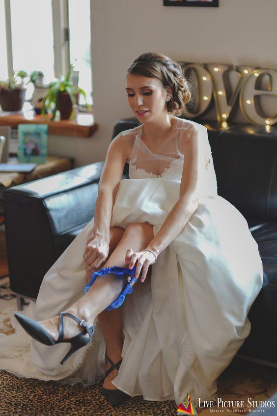 Courtney || #Wedding2016 || #wedding #weddingphoto #weddingphotography #weddingphotographer #bridephoto #bride #livepicturestudios #weddingideas