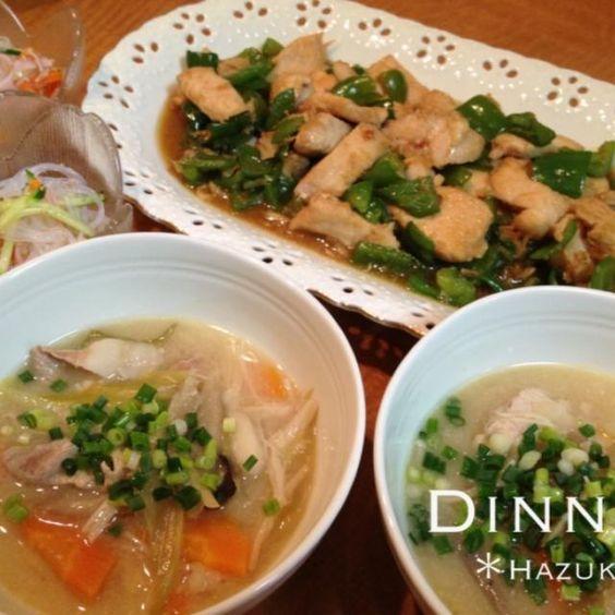 暑いのに豚汁かょ! マァマァ(((ノ´ー`)ノ 久々に味噌スープが飲みたくて、豚汁!?時間がかかって、おかず的なモノが無い…ッテ考えて〜 *ピーマンと鶏胸肉の生姜焼き *春雨サラダ を作った( ̄Д ̄)ノ オウッ - 40件のもぐもぐ - 暑い日に豚汁!? by SDHazuki