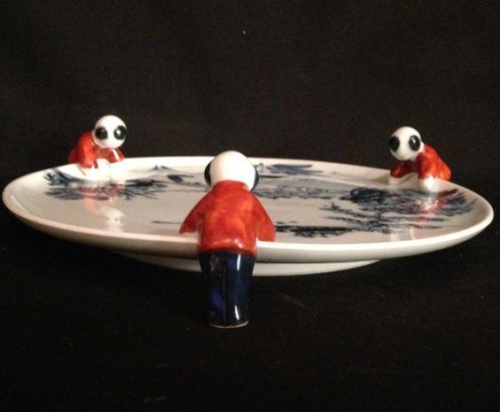 Japanese Vintage Mino Yaki 一の蔵窯. Ceramic Plate Held By Korako (Child) Figures