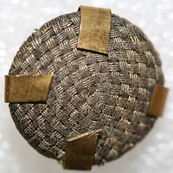Button - french 1775 - pasementerie