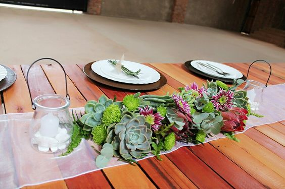 Tustic centrepiece succulents