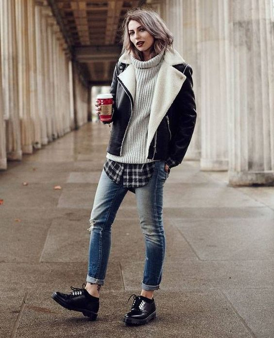 plaid-shirt-tricot-denim-jeans-street-style: