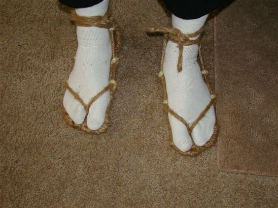 Make your own Bleach Cosplay sandals (waraji)