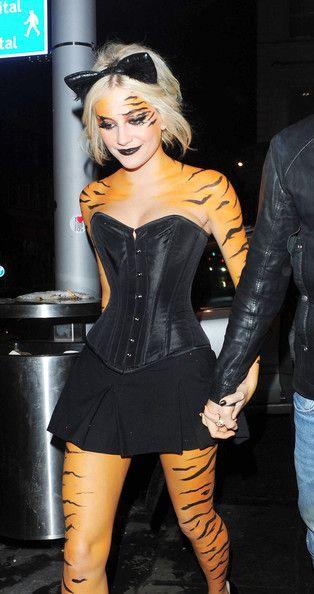 Pixie Lott tiger