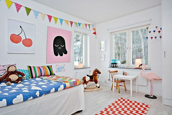 Barnrum - Colorful kids room #bunnyinthewindow