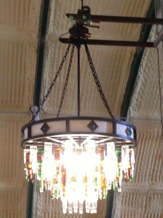 Lámpara de botella de cerveza por TheCosmicWorkshop en Etsy