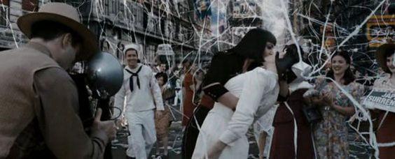 Watchmen - VJ Day Kiss ;)