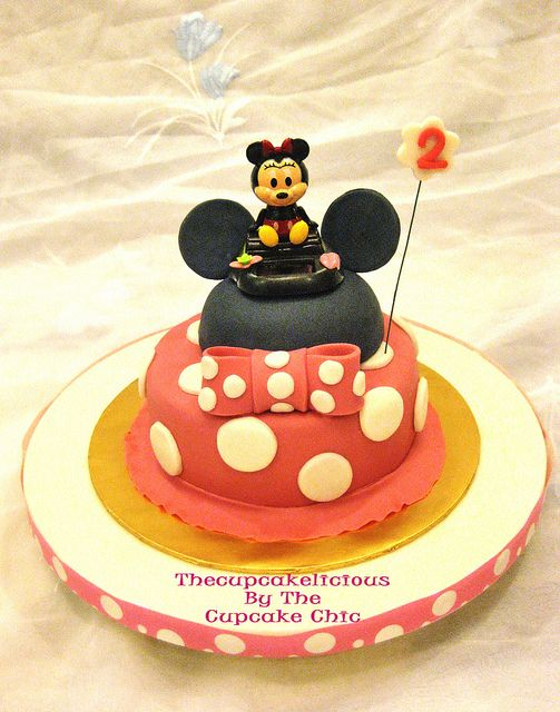 Minnie Mouse cake by Thecupcakelicious, via Flickr