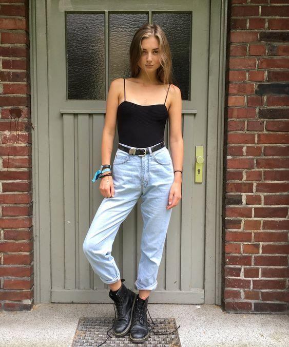 Look despojado com calça jeans e coturno