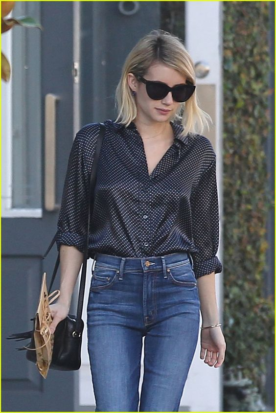 emma roberts hangs out with billionaire boys 02