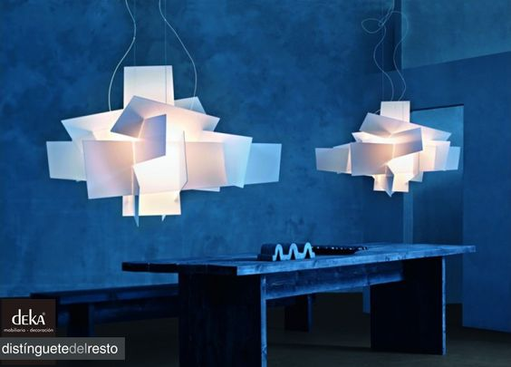 """Si estas buscando esa lampara de diseño, especial y original, o tan solo quieres que te aconsejemos con la iluminación de tu hogar, visita nuestras tiendas y estaremos encantados de asesorarte hasta en el último detalle.  Deka """"distinguetedelresto"""""""