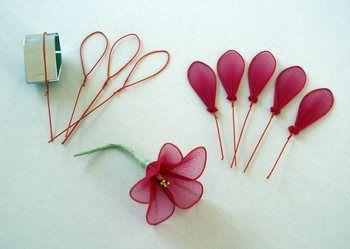 fabrication de jolies fleurs en nylon