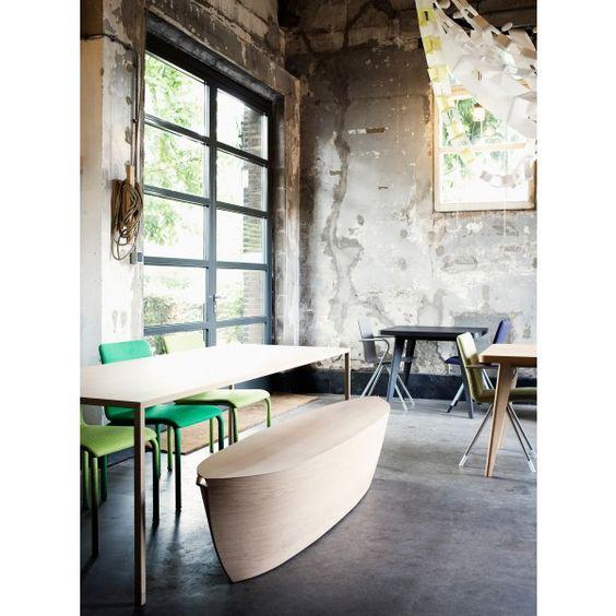 Arco Arc bank. Deze #bank van #Arco lijkt wel op een bootje! Kom je ook meevaren? #design #Flinders