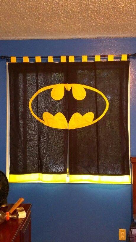 Batman curtains to diy apartment pinterest for Batman bedroom paint ideas