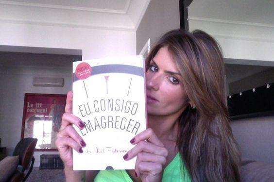 Meninas, acaba de chegar ao Brasil um livro que pode...