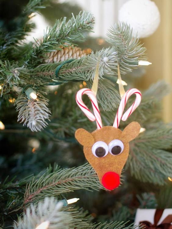How to Make a Candy Cane Reindeer Ornament : Decorating : Home & Garden Television