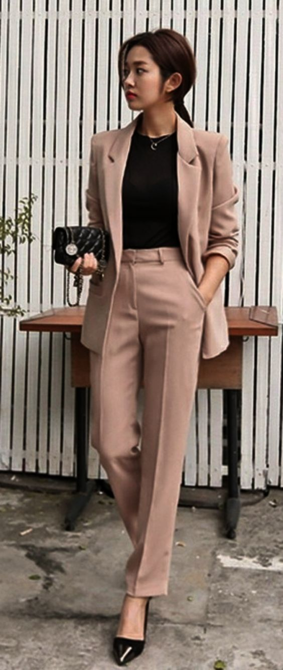 Trending Summer Business Attires for Women