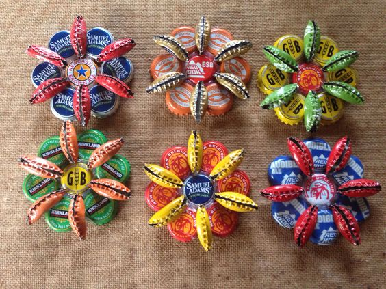 Bottle cap art christmas ornaments holly 39 s bottle cap for How to make bottle cap flowers