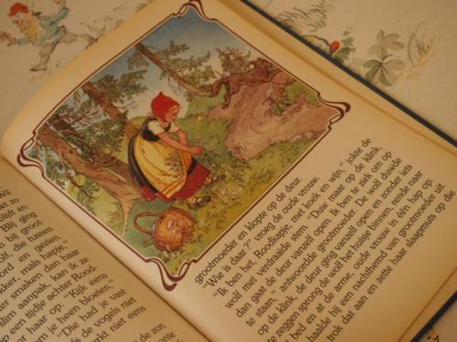 オランダ語のグリム童話集 - アンティーク食器と雑貨のお店 lincs.[リンクス] ベルギーBOCH オランダ ドイツBAVARIA 北欧 洋古書図鑑本 ヴィンテージファブリック