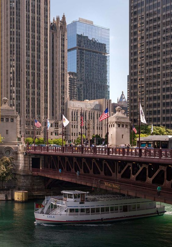 See this gorgeous addition to the skyline from the Chicago River or even on an architectural boat tour! #OptimaChicagoCenter
