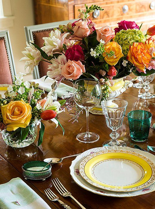 Vibrant and polished, Julia's impeccably set dinner table beautifully represents her affinity for the high-low mix.