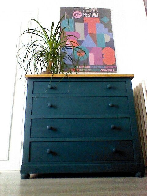 commode bleue p trole liberon id es pour la maison. Black Bedroom Furniture Sets. Home Design Ideas
