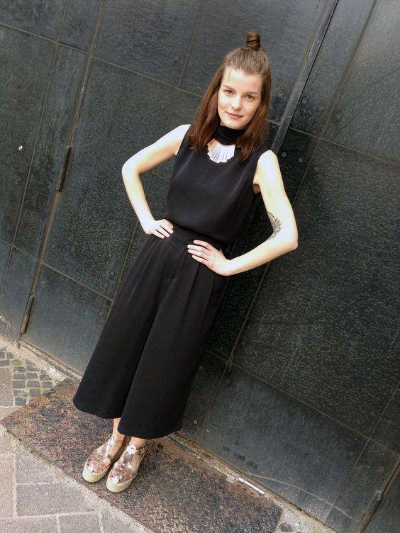 Outfit der Woche! ärmelloser Jumpsuit im Culotte-Stil: More & More – Kette: Pieces #fashion #ootw