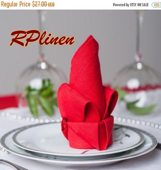 Red is beautiful von Natalia Gulenok auf Etsy