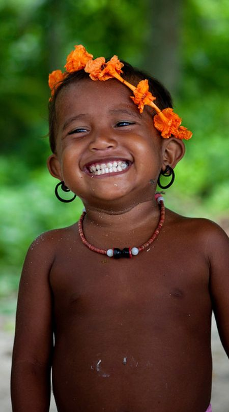 Faces of the World (Papua New Guinea) by Eric Lafforgue