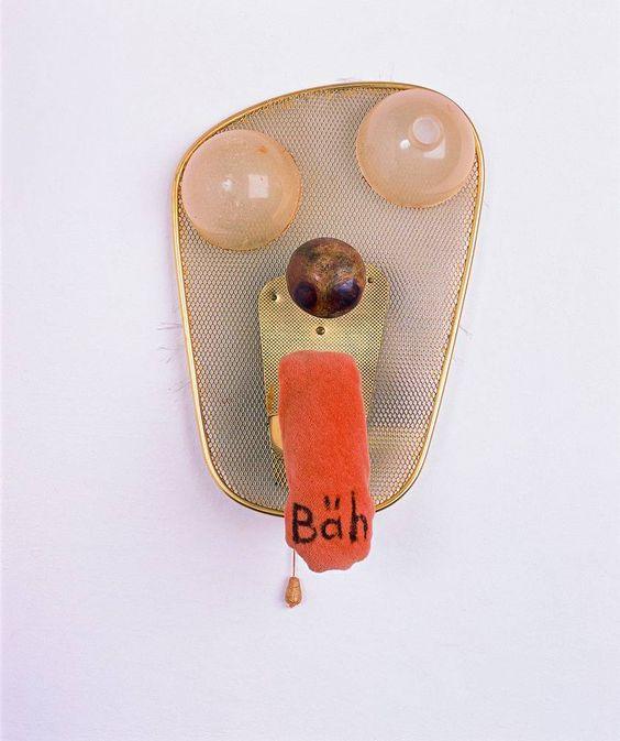 """Meret Oppenheim: Maske mit """"Bäh""""-Zunge, o.J.  Stefanie Beretta, Verscio © VG Bild-Kunst, Bonn, 2013"""
