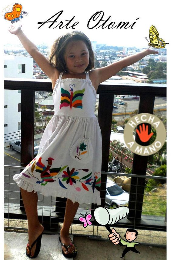 Hermoso vestidito bordado a mano OTOMI para niña por ArteOtomi