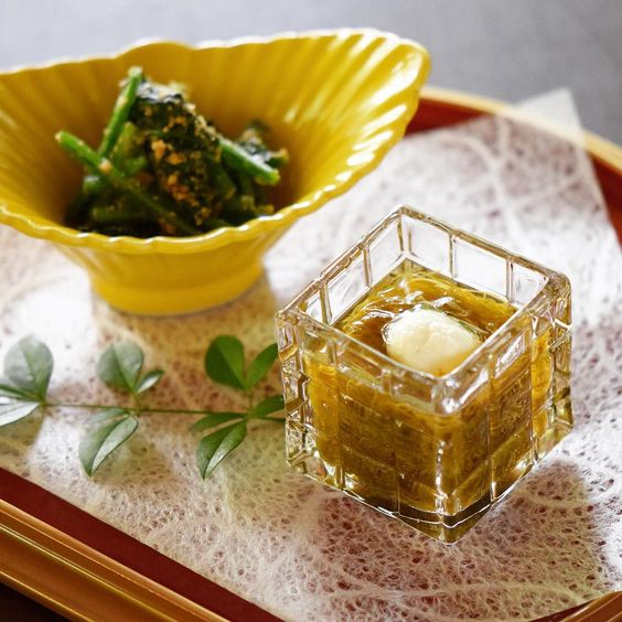 Vegetable Amuse Mozuku seaweed vinegar Boiled spinach with sesame included vegetarian course  先付もずく酢法蓮草胡麻和え ベジタリアンコースの一品  #kaiseki #cuisine #kitaohji #mozuku #seaweed #spinach #sesame #vegetarian #healthy #もずく #もずく酢 #ほうれんソ草胡麻和え #ベジタリアン #japanesefood #instafood #foodpic #foodporn #japanesecuisine #authenticjapanesecuisine #dinner #yum #yummy #thonglor #bangkok #sukhumvit #อาหารญ by kitaohji_thailand