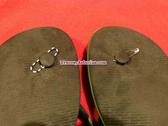 Arreglar #chanclas #Havaianas rotas con un clip o imperdible (1/6 #trucos) / How to #fix flip flops and tongs with a safety pin or a paperclip (1/6 #tips). Más en / More at: http://trucosyastucias.com/astucias/arreglar-chanclas-havaianas-rotas